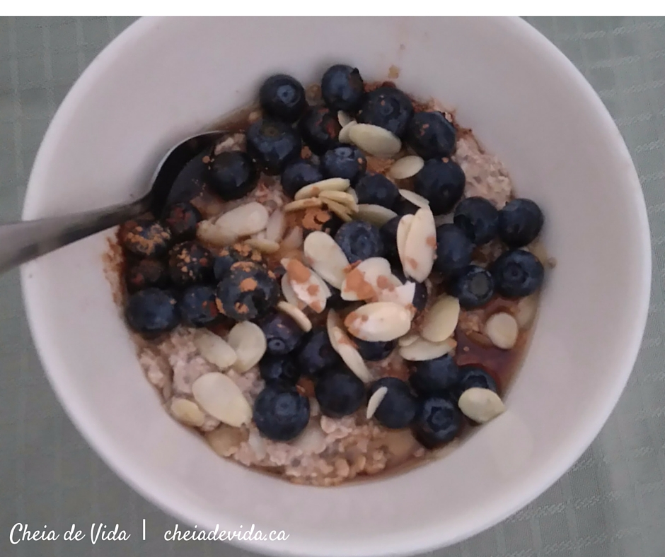 Maple Cinnamon Overnight Oats with Bluemberries and Almonds
